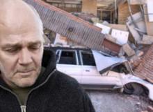 Walsh semblait déçu d'avoir bousillé une nouvelle voiture en entrant en collision avec le palais de justice.