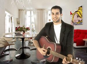 Sur sa photo Facebook, Keven feint de jouer de la guitare.