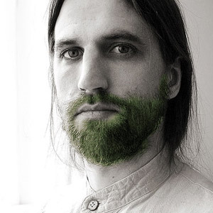 Guilbault à une époque où sa barbe était un paradis sur Terre.