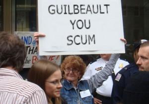 Guilbeault a subi les foudres de manifestants