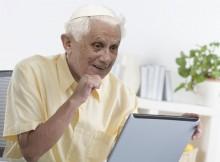 Benoît XVI est dégoûté de tout ce qu'on retrouve sur le Net.