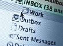 Lire les courriels de votre épouse peut vous permettre d'apprendre qu'elle cherche à agrandir son pénis